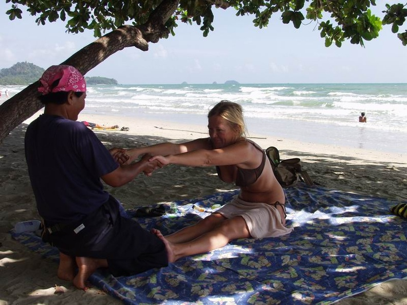 Massage_for_Madame_White_Sand_Beach_Koh_Chang_Thailand.jpg