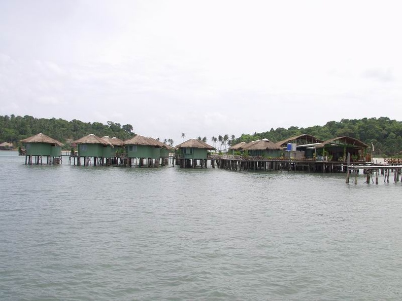 Village_on_stilts_Bang_Bao_Sea_Huts_Koh_Chang_Thailand.jpg