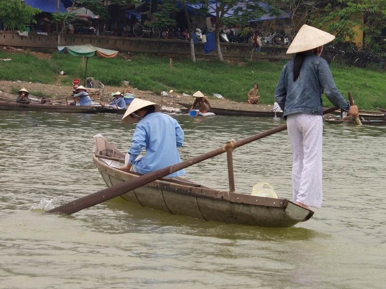 River_Taxi_Song_Huong_River_Hu_Central_Vietnam.jpg