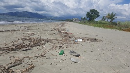 A lot of rubbish - Wailoaloa Beach Fiji Island Viti Levu
