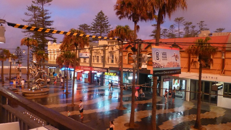 Sunset_at_the_Corso_-_Manly_Beach_Sydney_New_South_Wales_Australia.JPG