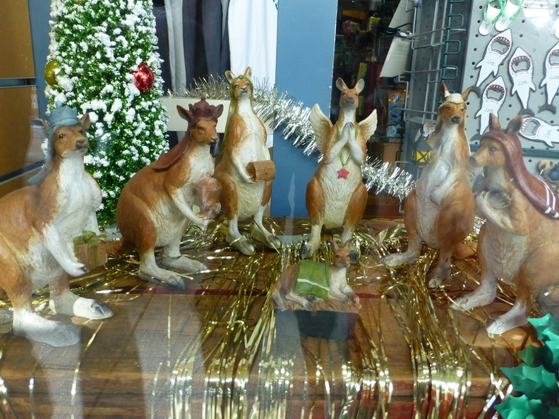 The_holy_family_-_Store_window_in_Perth_Western_Australia.JPG