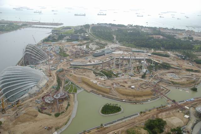 New_building_project_View_from_Marina_Bay_Sands_Hotel_Singapore.jpg